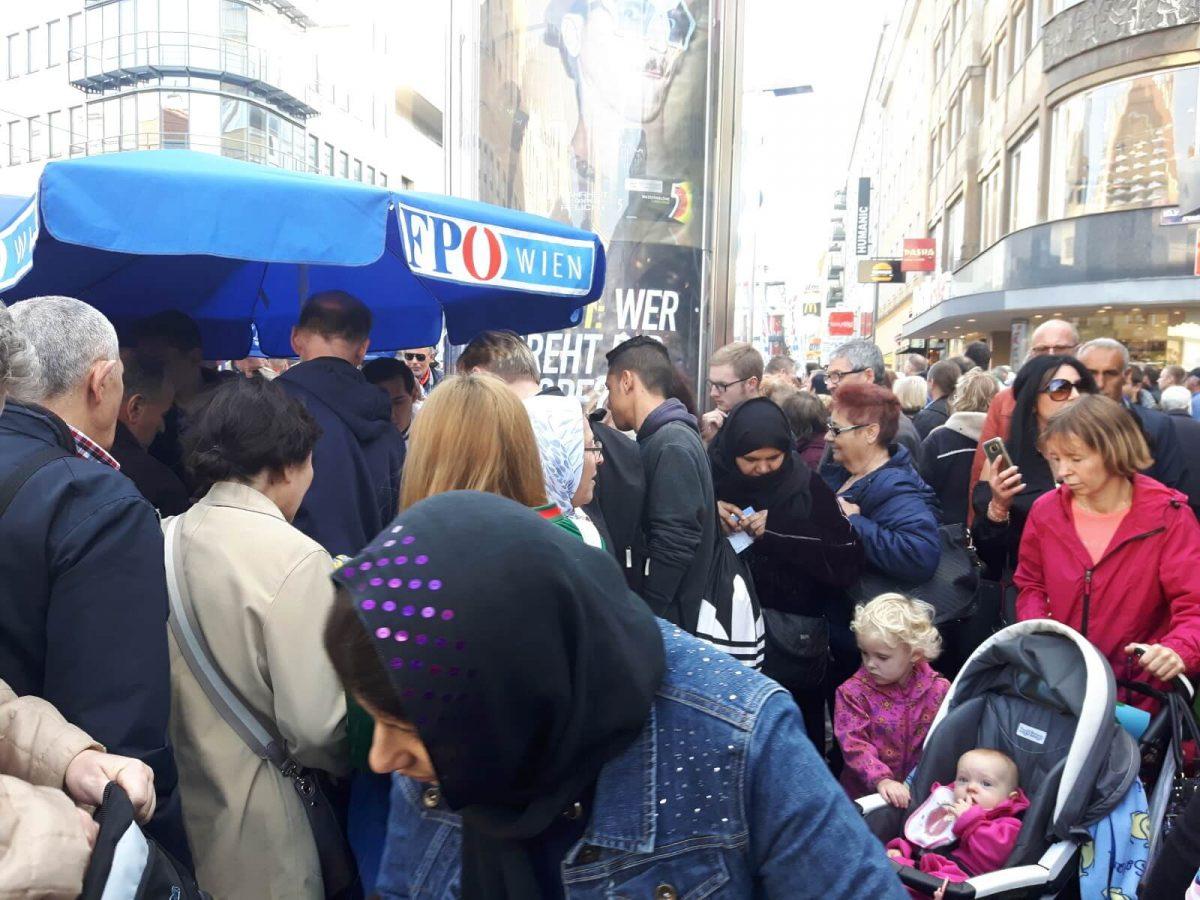 Wiener Melange am Viktor-Adler-Markt
