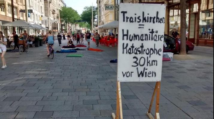 Ideologischer Kitt von Schwarzblau: Immigranten als Sozialschmarotzer dämonisieren